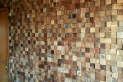 holzwand-wohnzimmer-teakyourwall-square-2