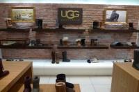 Kunststeinpaneele - Bronx - UGG-shop - Ladenbau