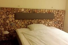 for-rest-holzpaneele-sticks-mini-hotelzimmer-1