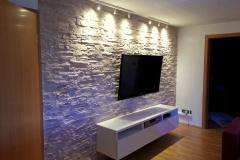kunststeinpaneele-dundee-crema-spezial-wohnzimmer (1)