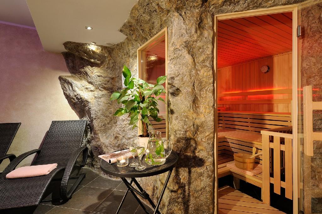 Kunstfelsen - Hotel - Ferienparadies Alpengluehn
